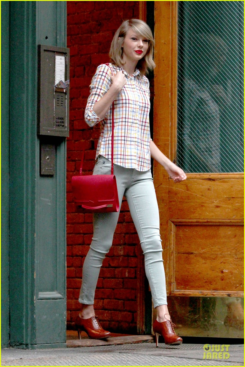 taylor swift hipster in nyc 063092779