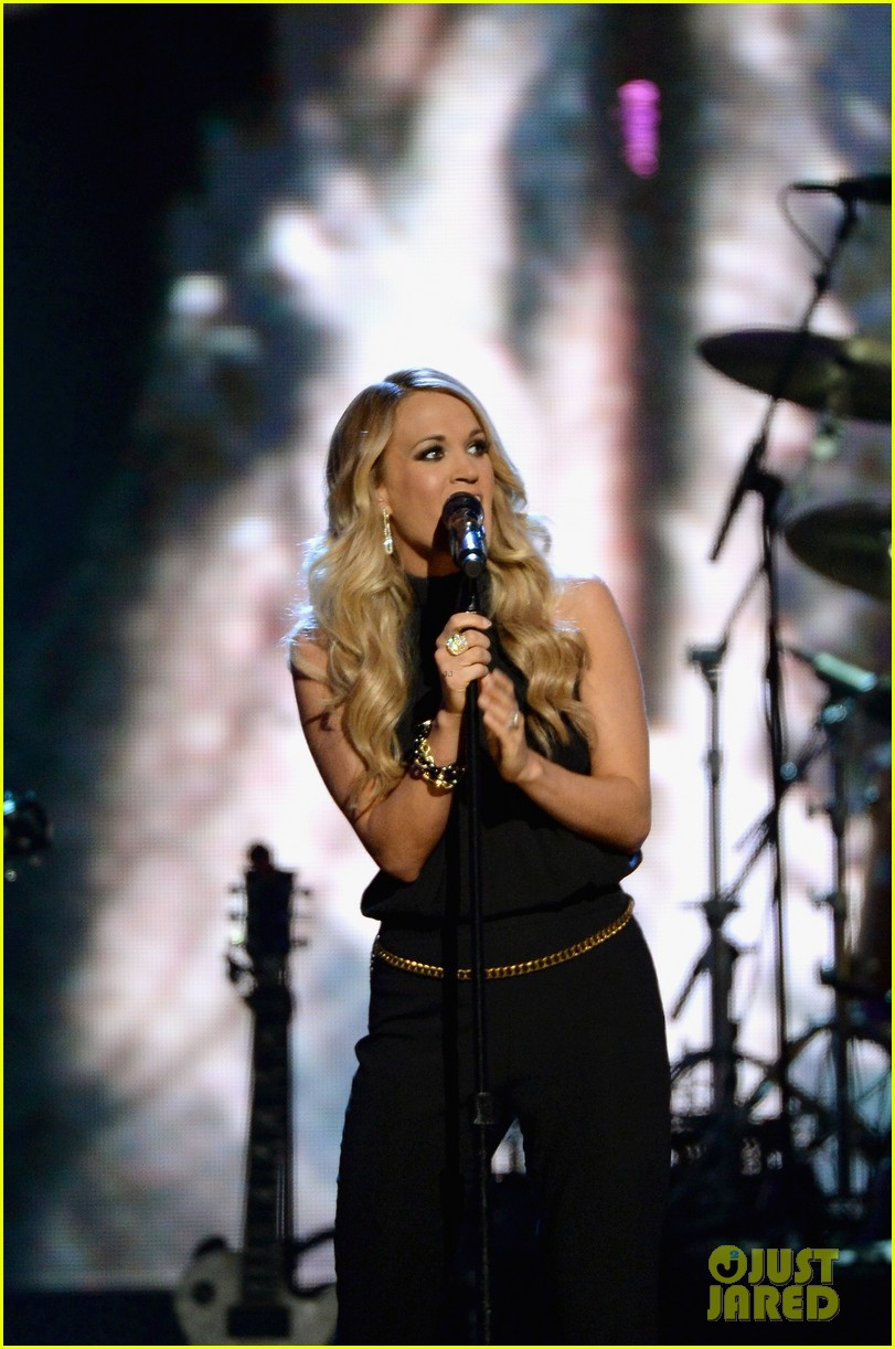 carrie underwood rock roll hall of fame induction 103088749