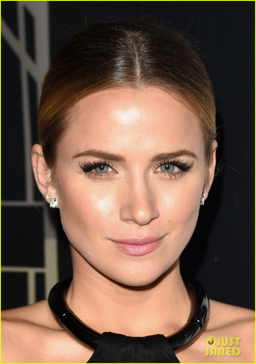 shantel vansanten leaves the gang behind 35