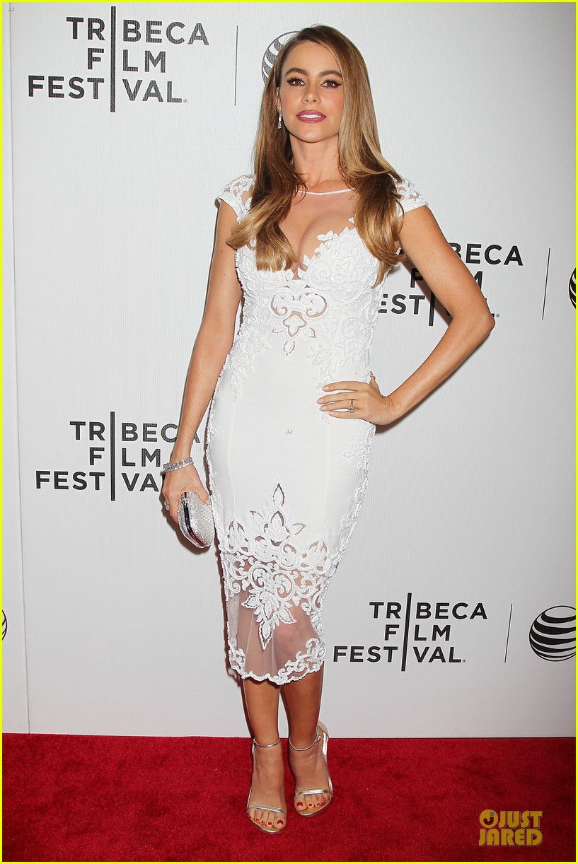 sofia vergara jon favreau premiere chef at tribeca 03