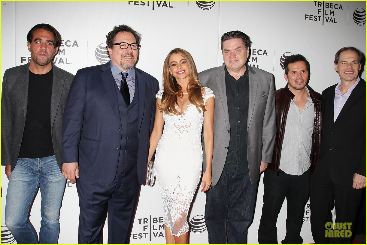 sofia vergara jon favreau premiere chef at tribeca 173097128