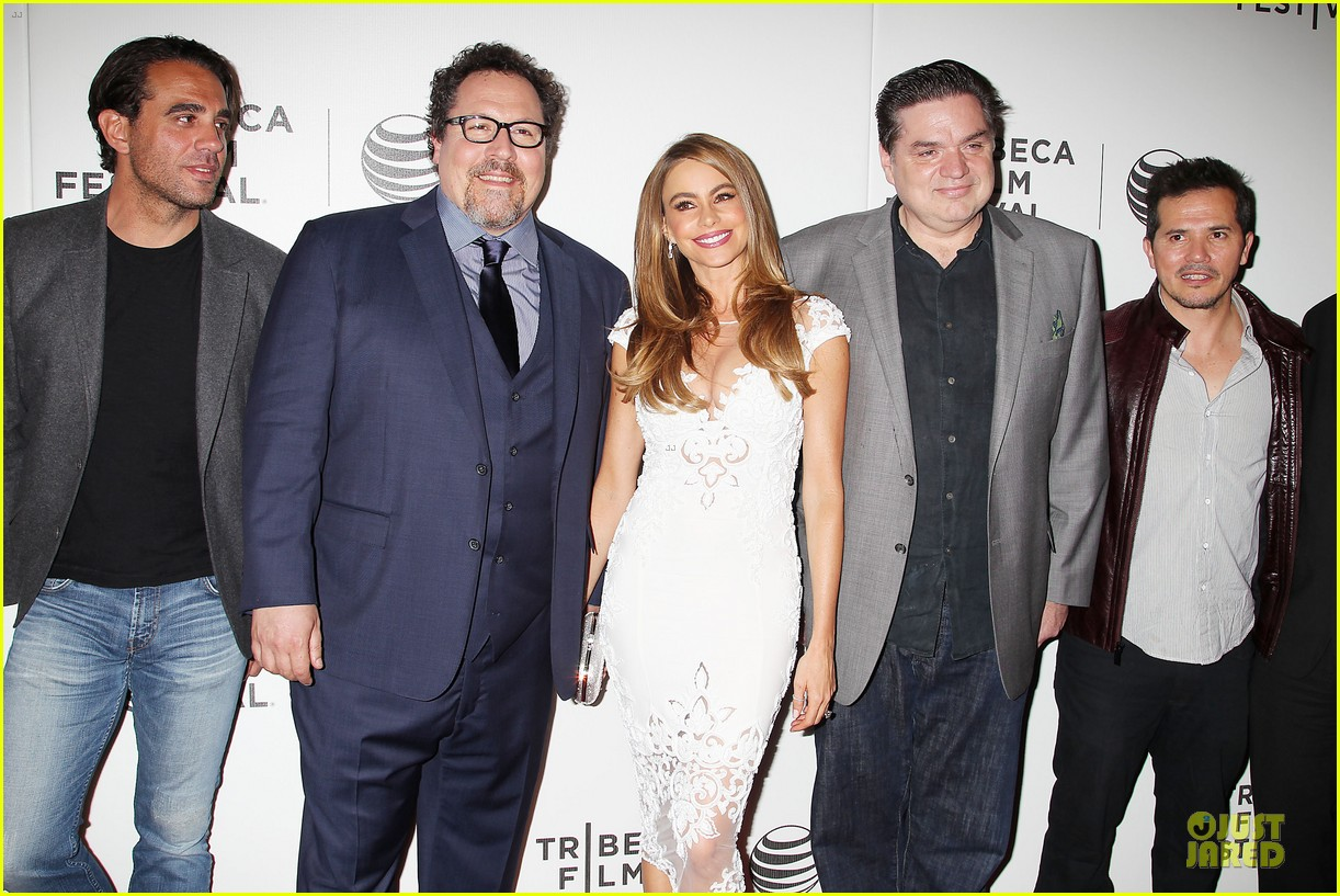 sofia vergara jon favreau premiere chef at tribeca 183097129
