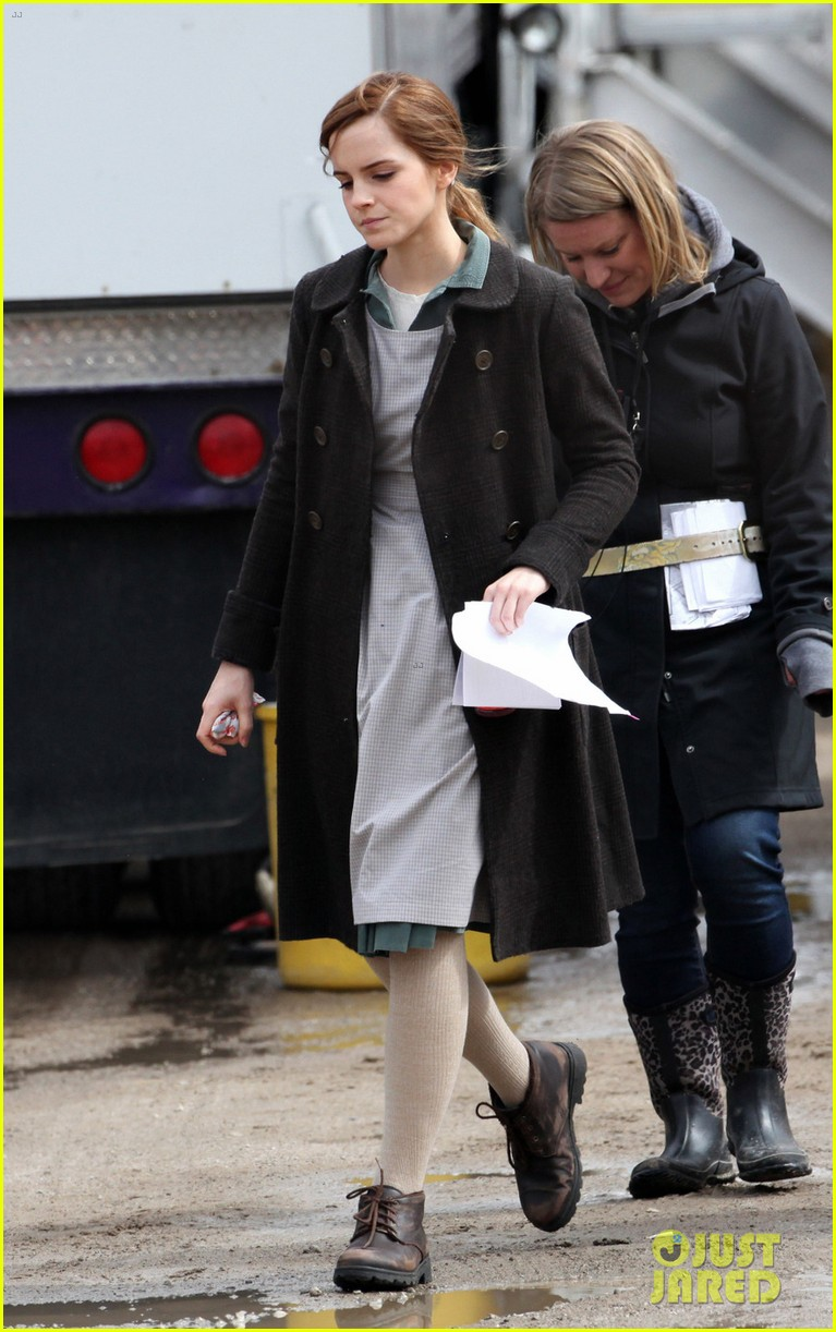 emma watson celebrates 24th birthday on regression set 05