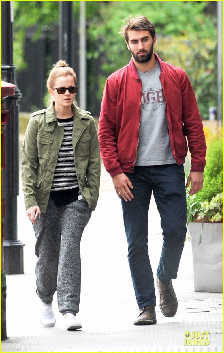 emma watson matthew janney feel at home in london 033099386