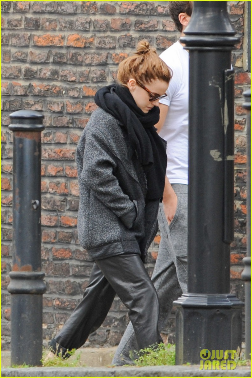 emma watson spends weekend with boyfriend matthew janney 023100853