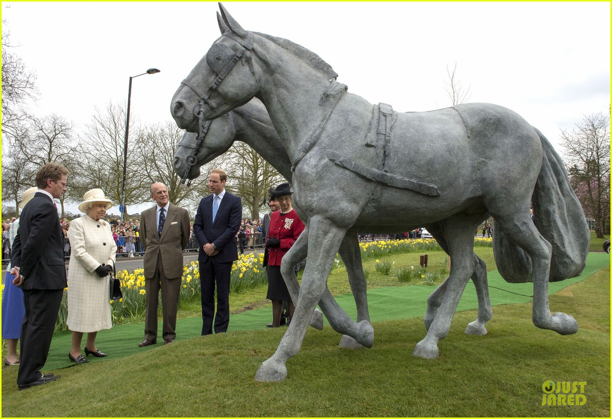 prince william dashing windsor greys statue unveiling 053082538