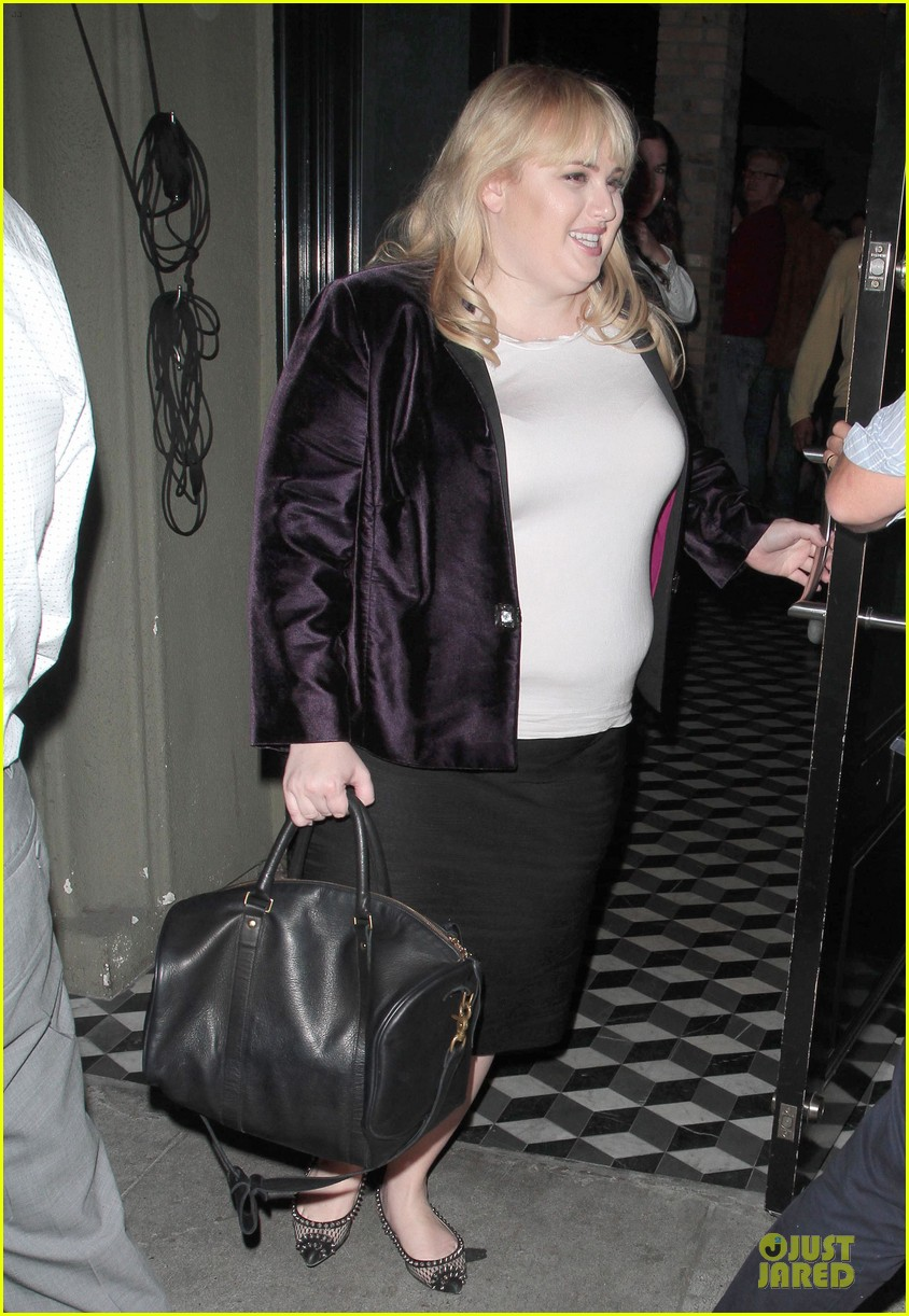 rebel wilson graduate college in pitch perfect 033095158