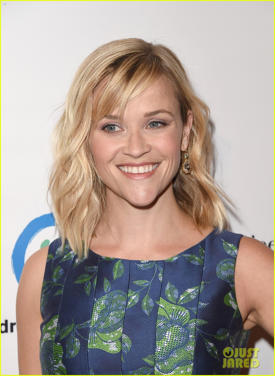 reese witherspoon mingles with a princess 04