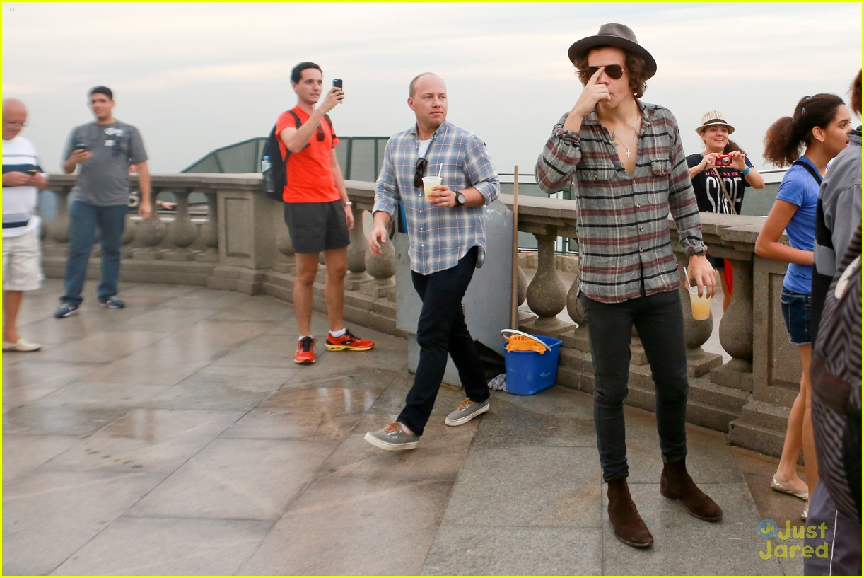 one direction visit christ redeemer statue 05
