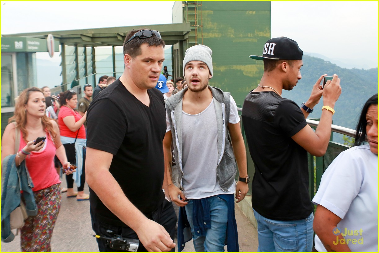 one direction visit christ redeemer statue 313107922