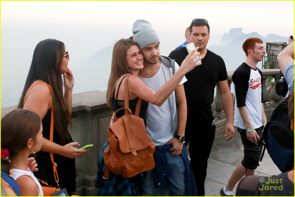 one direction visit christ redeemer statue 403107931