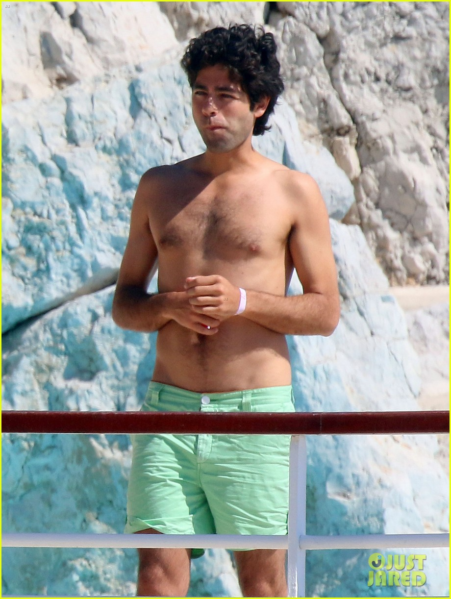 adrian grenier shirtless pool bikini babes 04