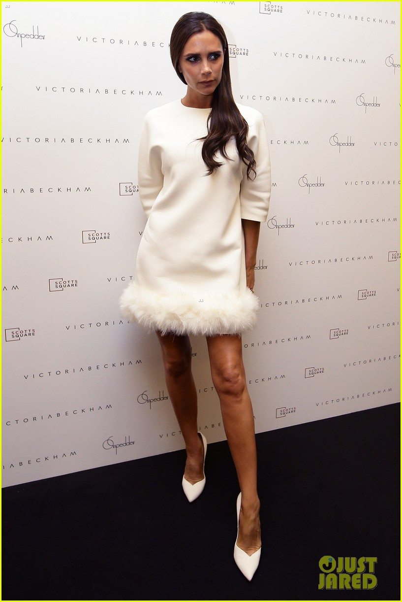 victoria beckham goes white hot for on pedder singapore 113111508