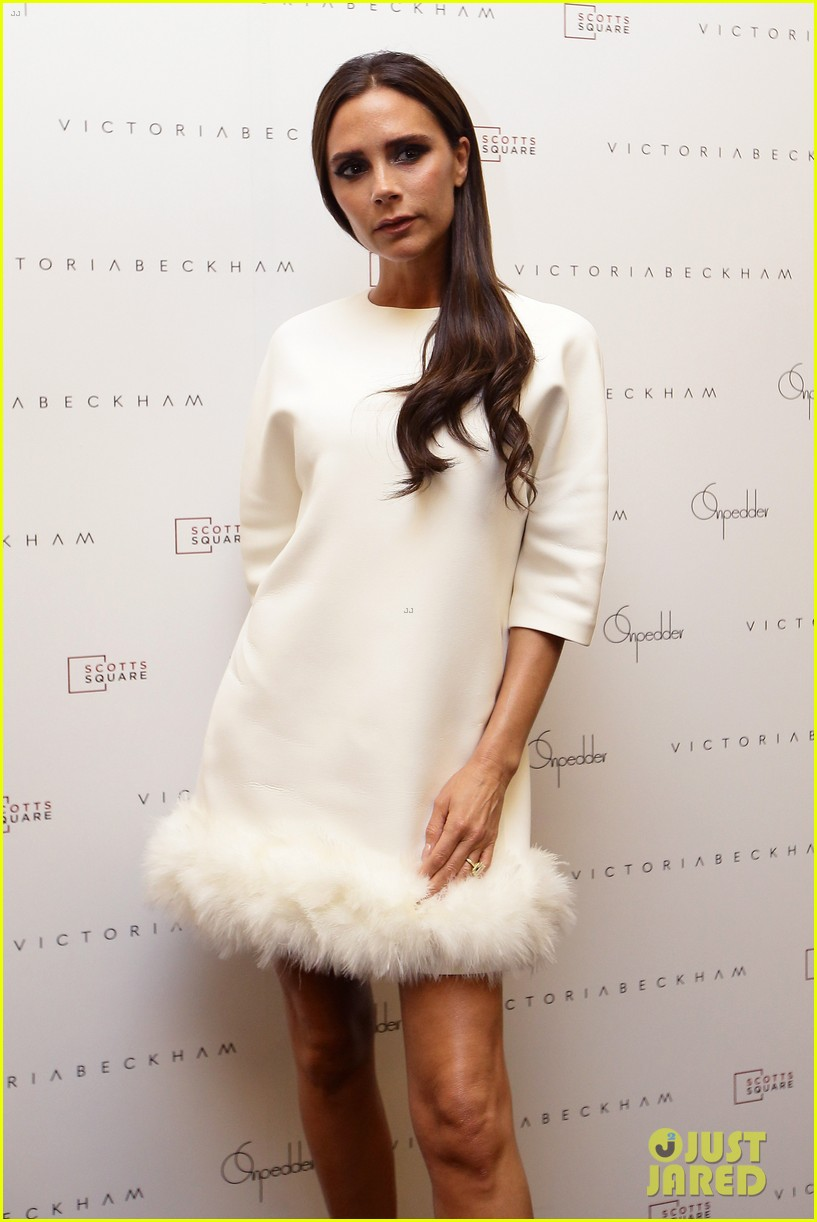 victoria beckham goes white hot for on pedder singapore 13