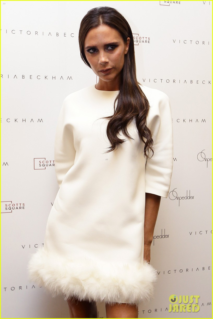 victoria beckham goes white hot for on pedder singapore 15