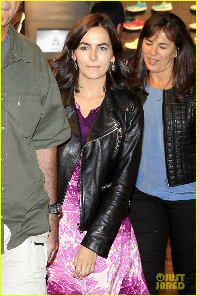 camilla belle continues her tour of brazil with gucci 093124813