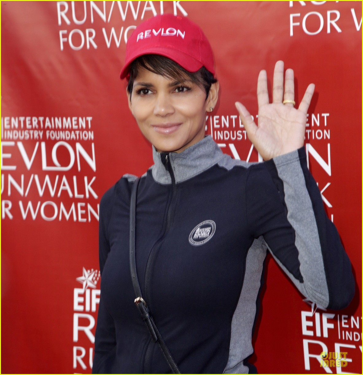 halle berry bruce willis wif revlon run 15