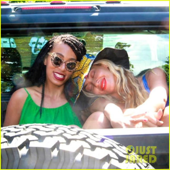 beyonce shares four happy pictures of her solange after jay z elevator fight 043113074