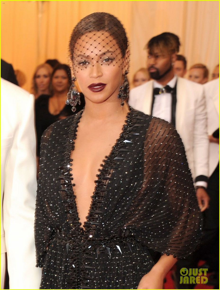 beyonce jay z ring met ball 2014 02