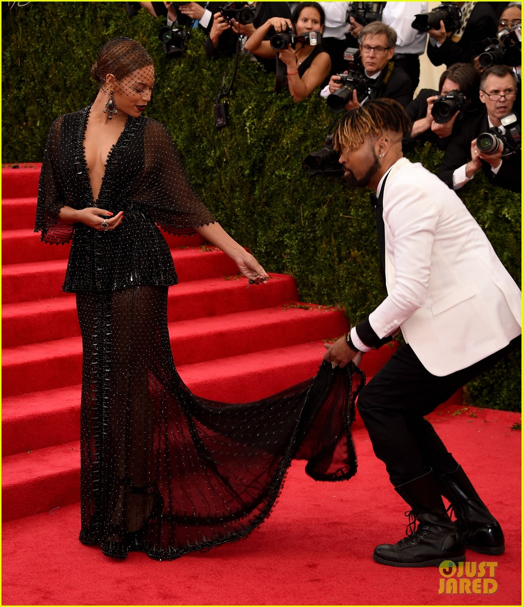 beyonce jay z ring met ball 2014 033106316