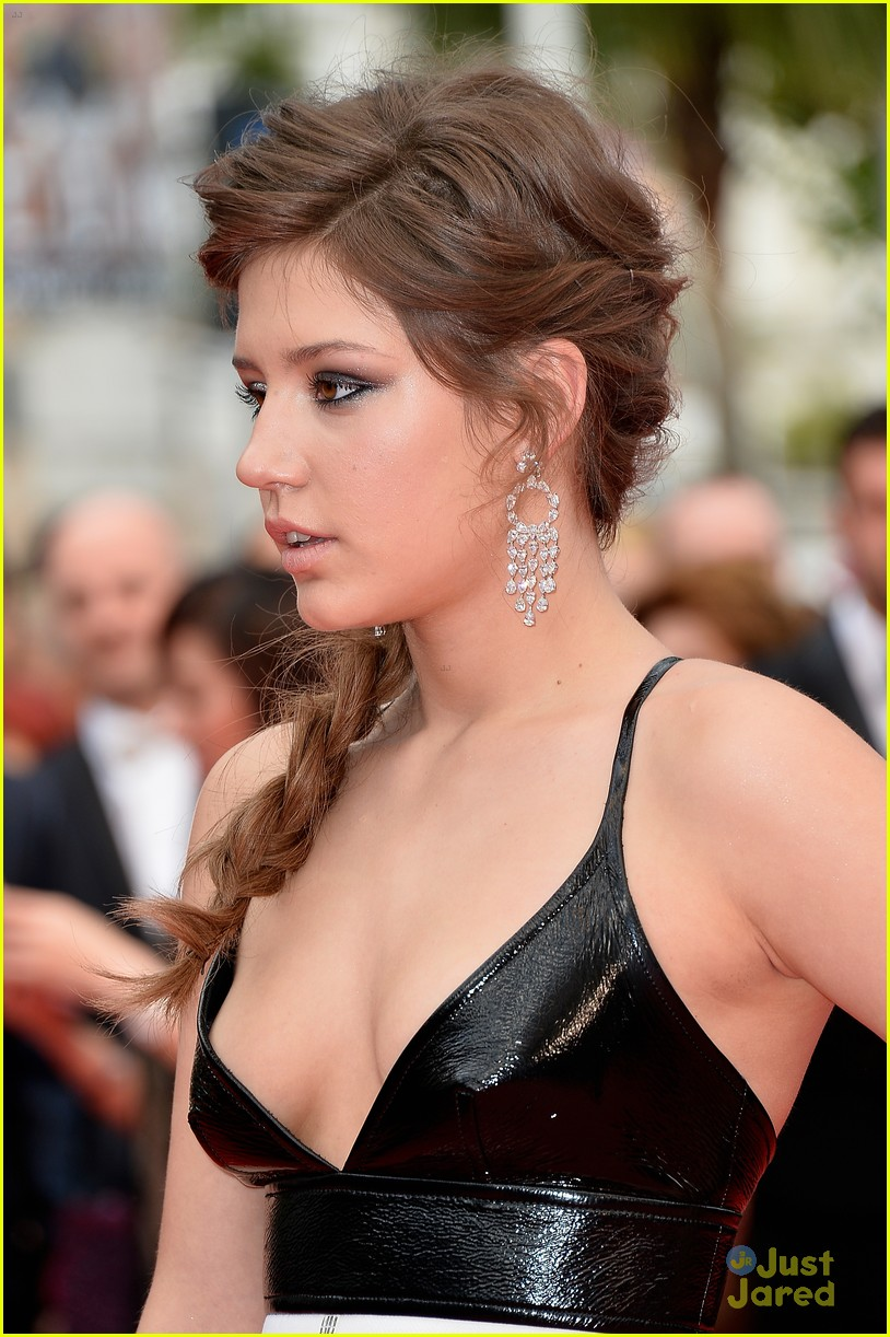 blake lively adele exarchopoulos cannes opening premiere 04