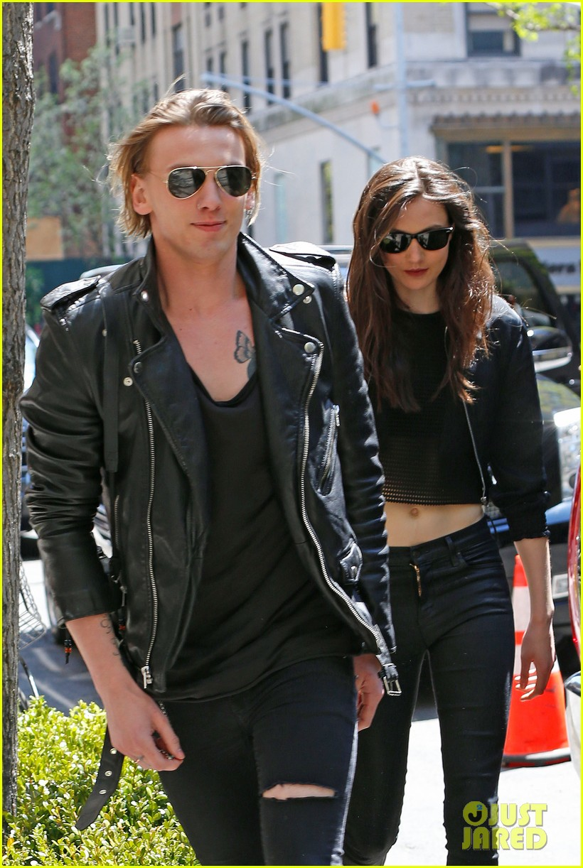 jamie campbell bower matilda lowther stroll in the city 033105425