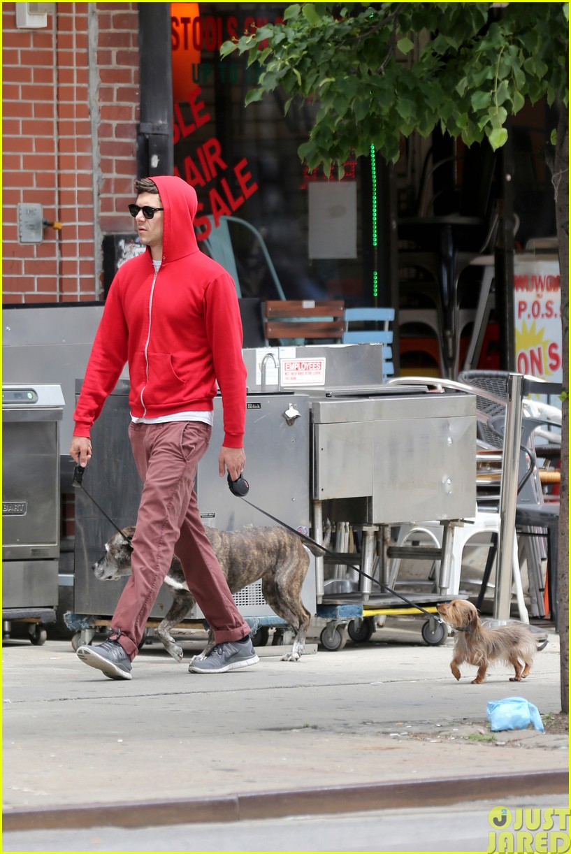 adam brody walks the dogs in his favorite sweatshirt073121664