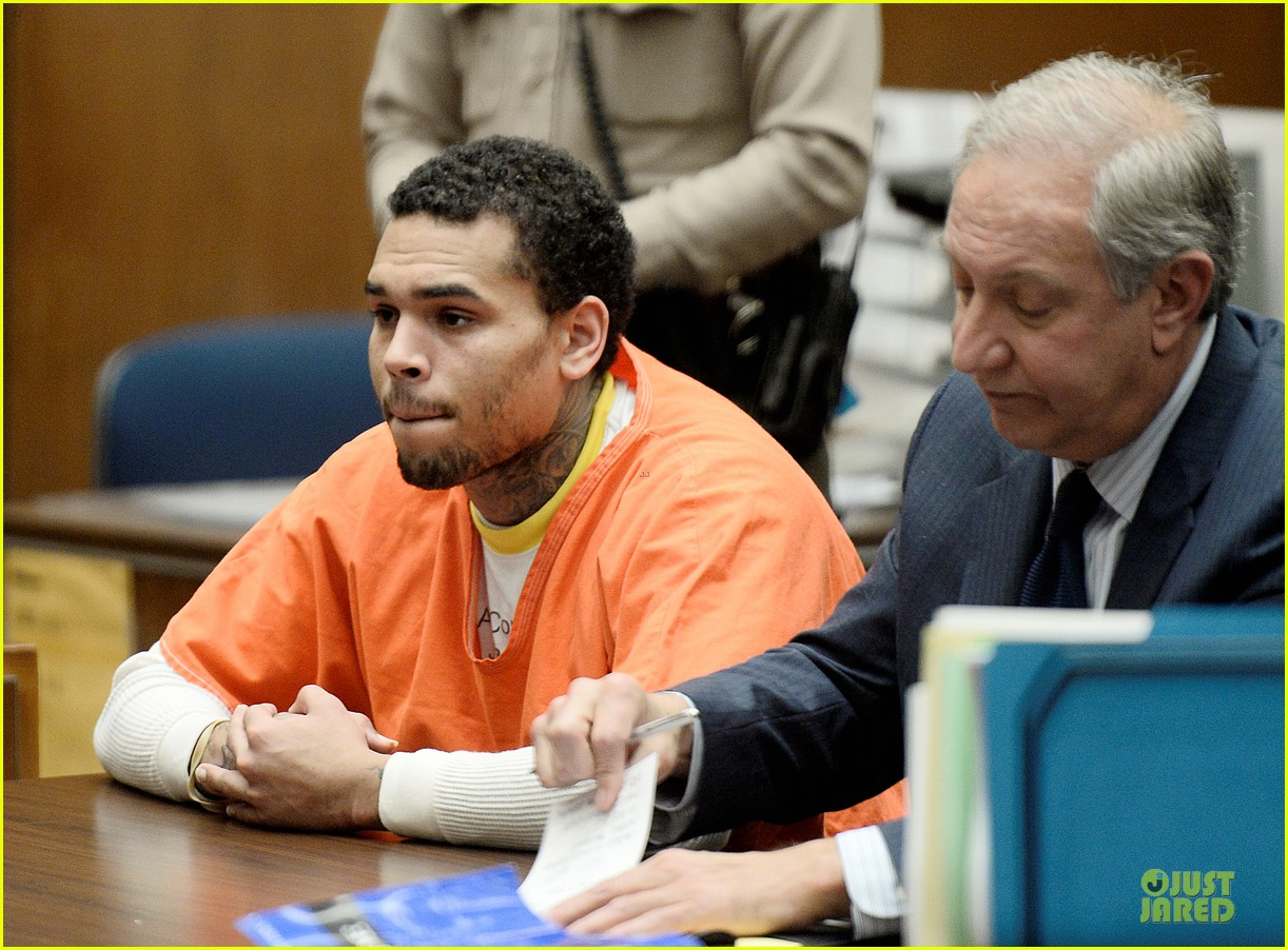 chris brown gets 131 days of jail 04