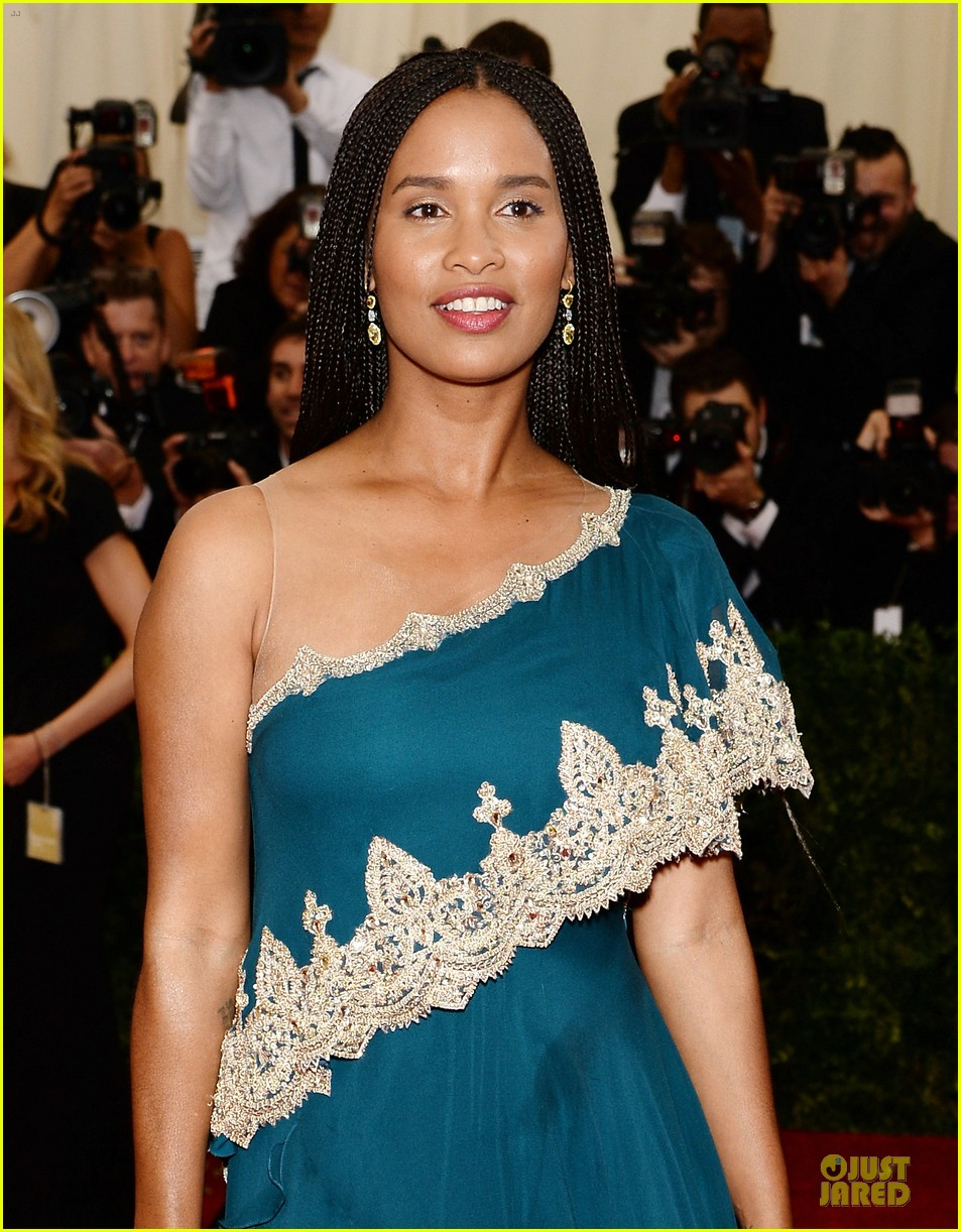 joy bryant shoulder at met ball 2014 043106577