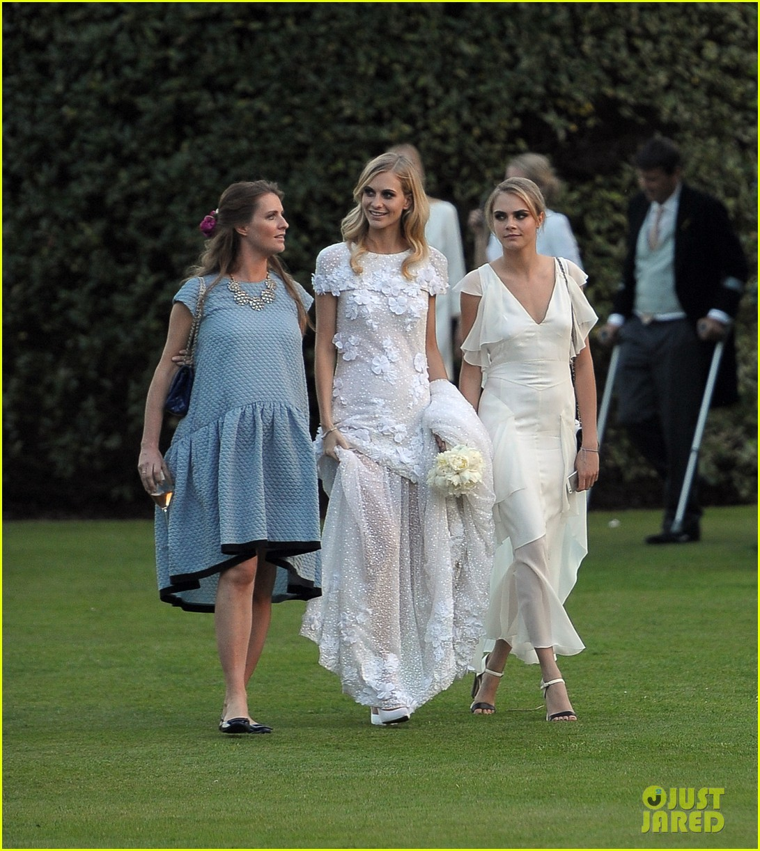 cara delevingne sister poppys wedding 013115966