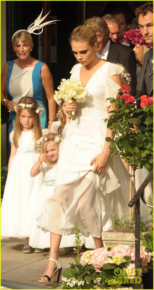 cara delevingne sister poppys wedding 043115969