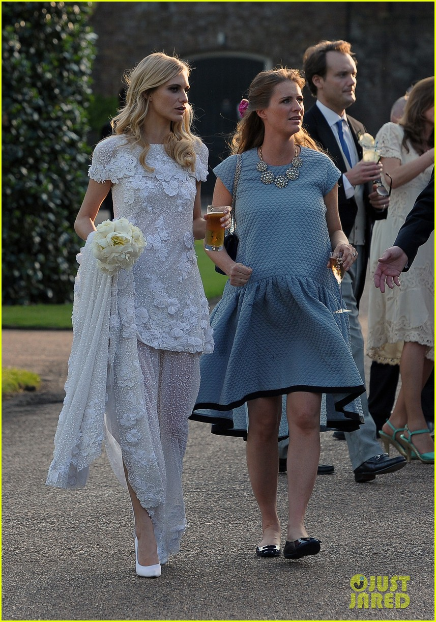 cara delevingne sister poppys wedding 13