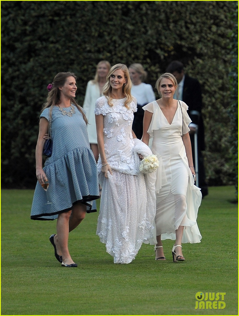 cara delevingne sister poppys wedding 21