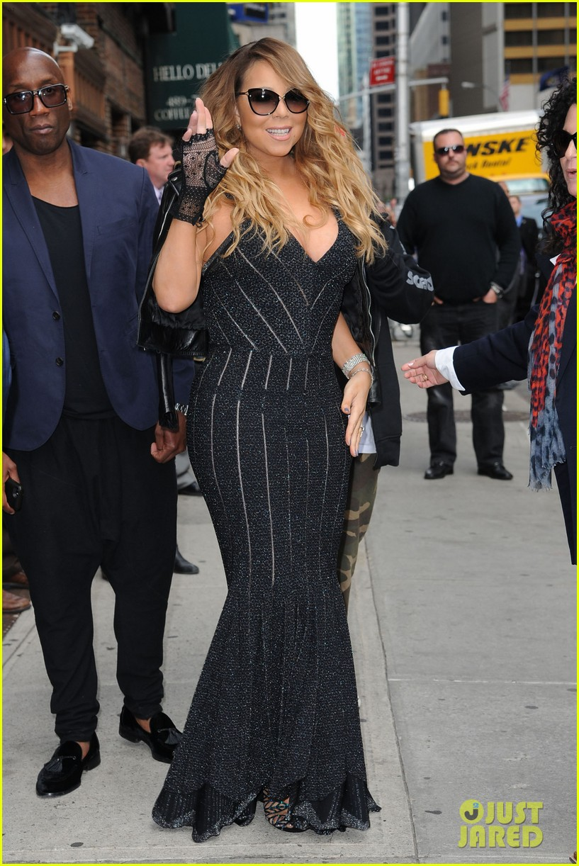 mariah carey rocks form fitting dress for letterman visit 01