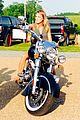 miranda lambert buys carrie underwood motorcycle 02