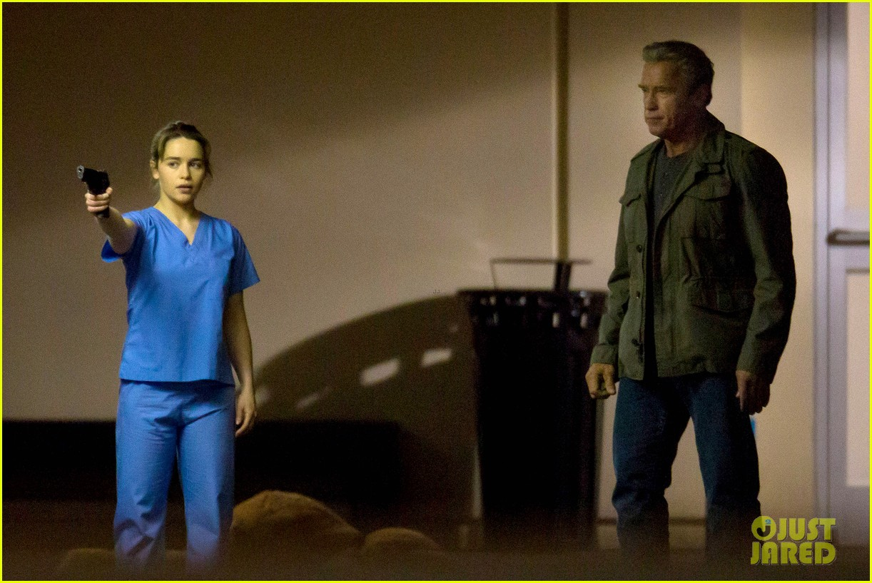 emilia clarke super fierce on terminator genesis set 073124341