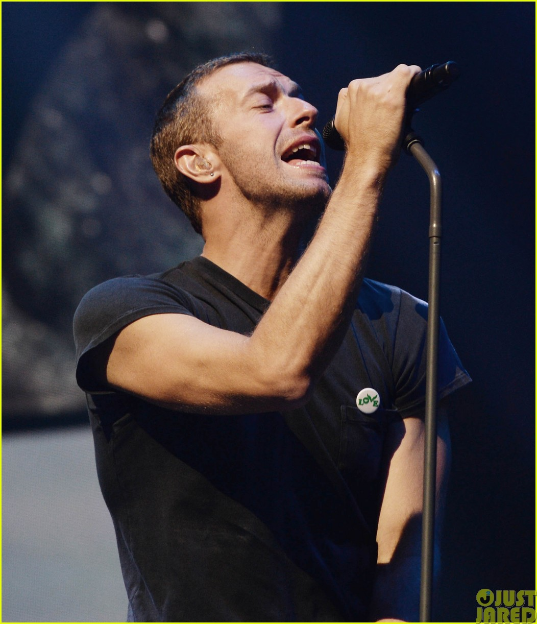 coldplay and pharrell bring happy to radio 1 big radio weekend concert033121579