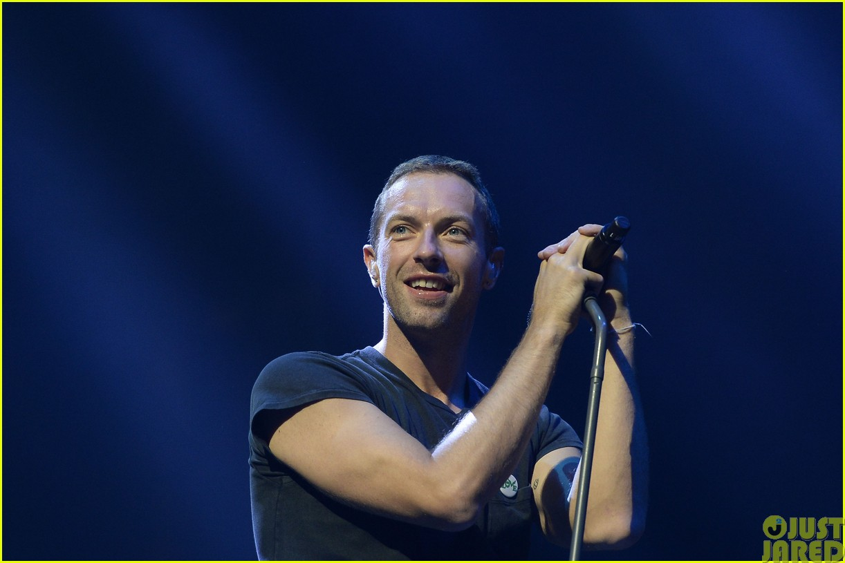 coldplay and pharrell bring happy to radio 1 big radio weekend concert203121596