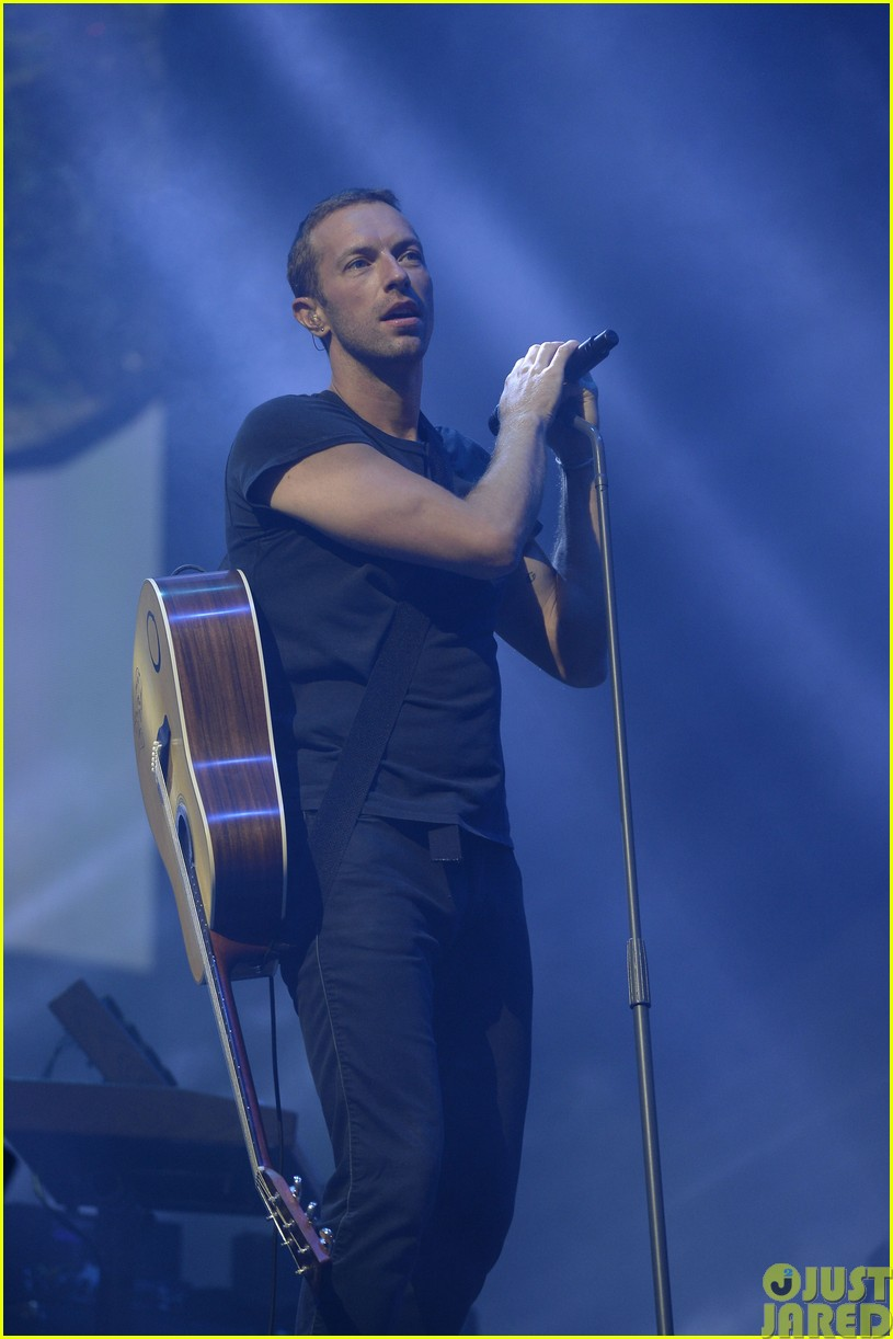 coldplay and pharrell bring happy to radio 1 big radio weekend concert22
