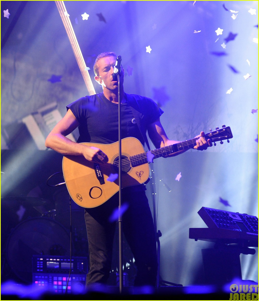 coldplay and pharrell bring happy to radio 1 big radio weekend concert323121608
