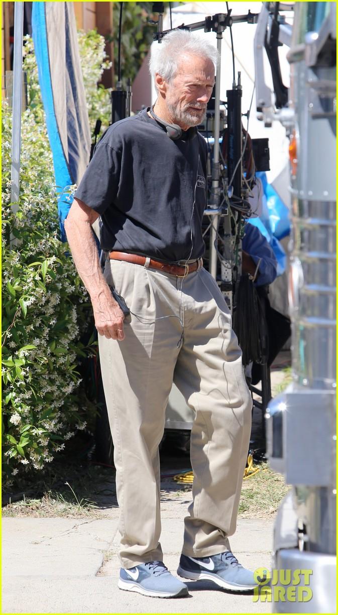 bradley cooper sienna miller get prepped to film american sniper 183114250