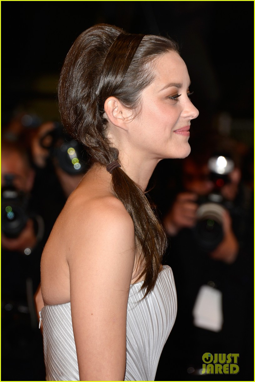 marion cotillard supports guillaume canet cannes premiere 14