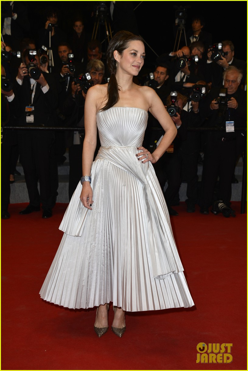 marion cotillard supports guillaume canet cannes premiere 153119209