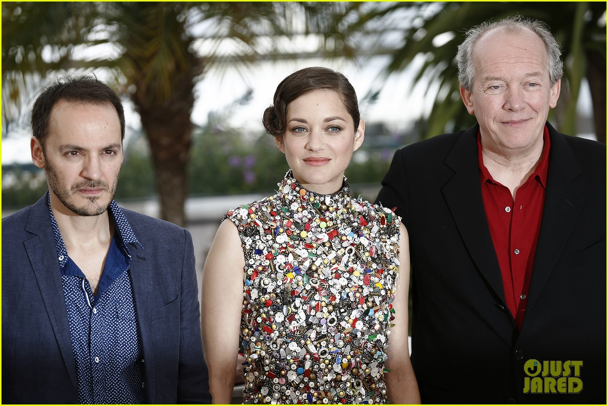 marion cotillard cannes two days one night photo call 14