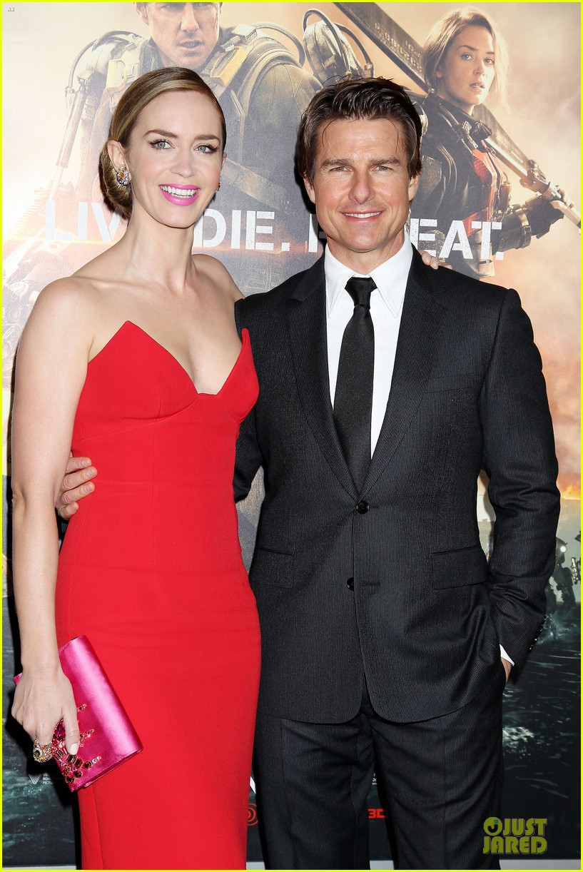 tom cruise emily blunt edge of tomorrow premiere final 043123588