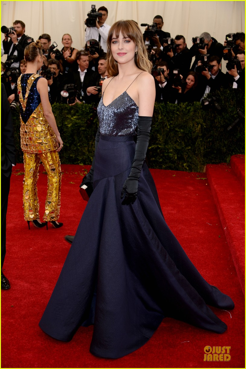dakota johnson makes jason wu proud met ball 2014 013106026