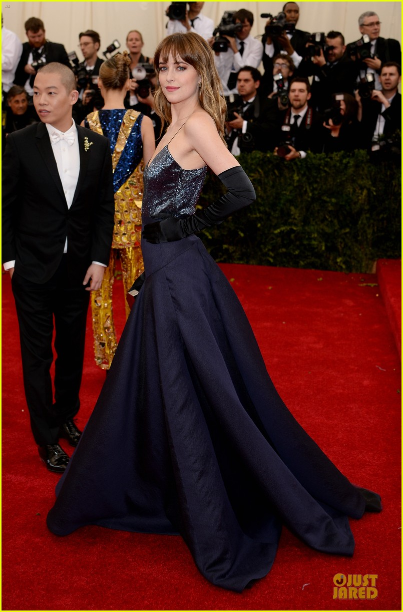 dakota johnson makes jason wu proud met ball 2014 03