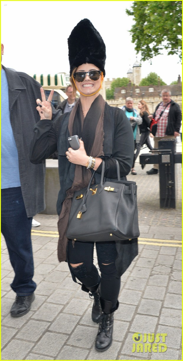 demi lovato tower london visit fan club 053125217