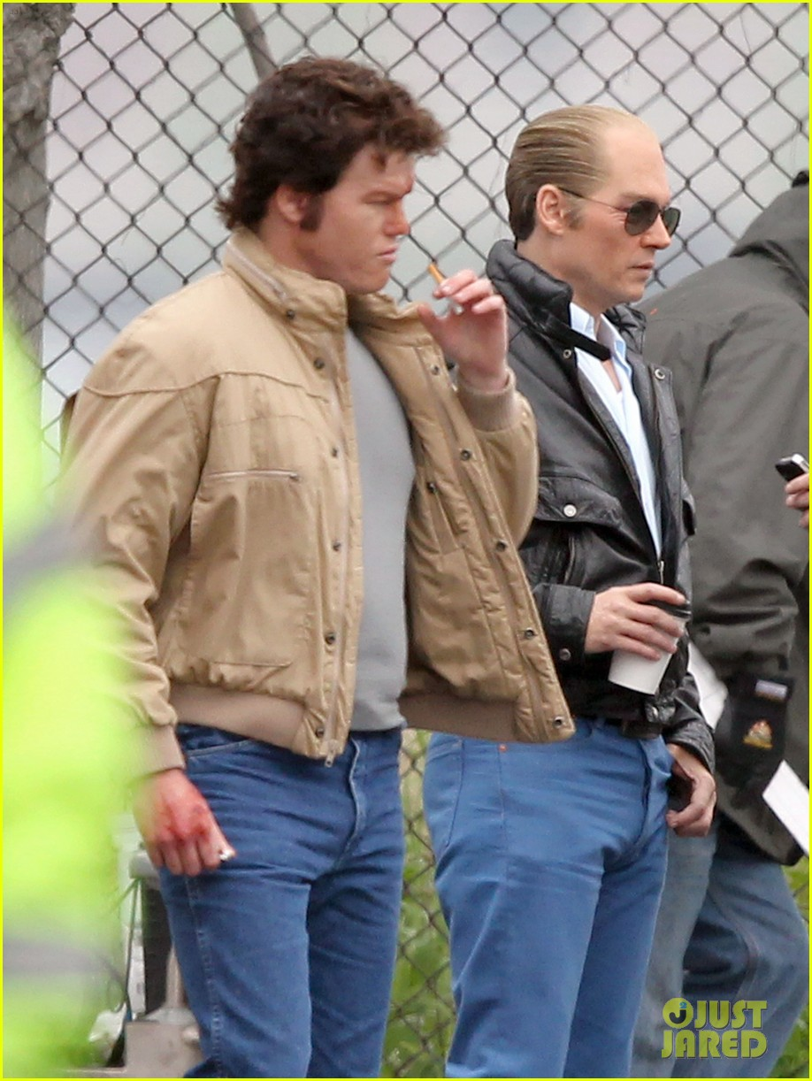 johnny depp works alongside very bloodied jesse plemons 093122817