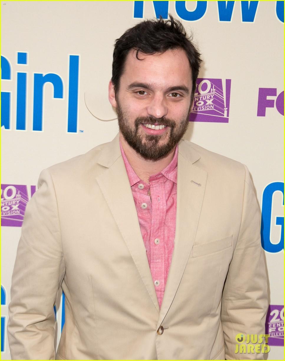 zooey deschanel joins new girl cast for season three finale screening 17